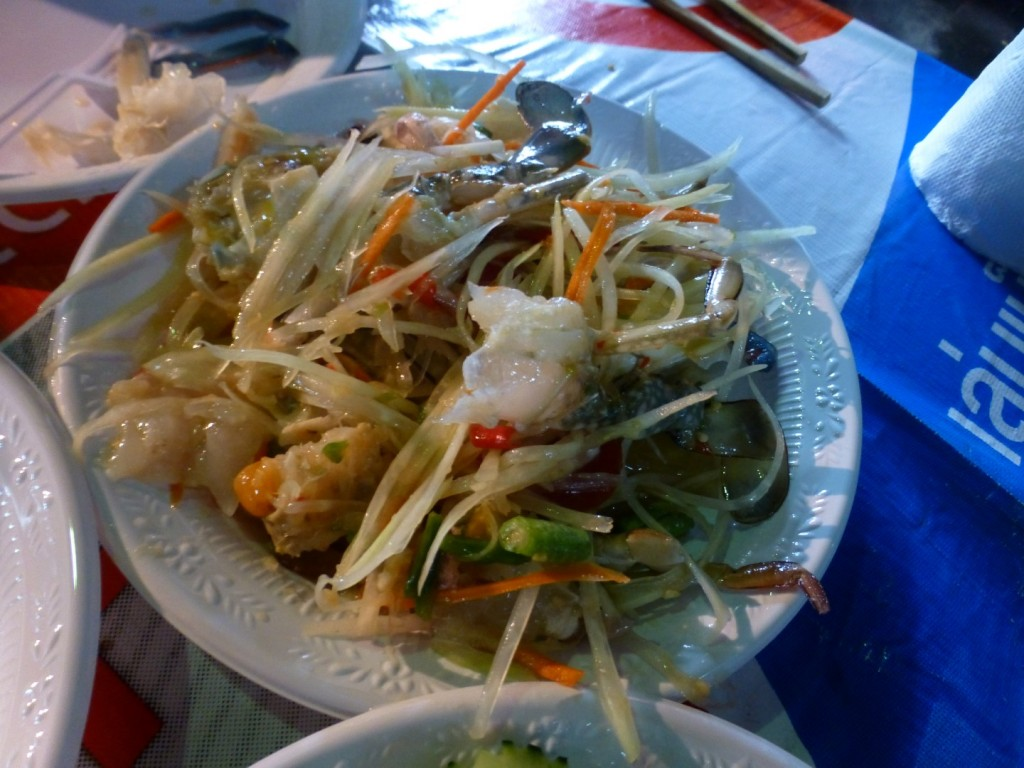 yes that's raw crab in there... delicious!